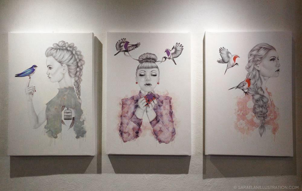 quadri di ragazze con uccellini in mostra al Frida di Milano